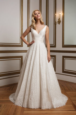 Justin Alexander - 8824 Sample Gown