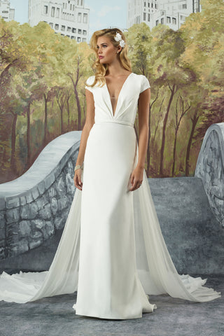 Justin Alexander - 8928 Sample Gown