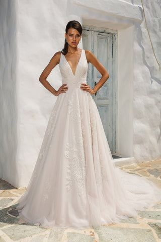 Justin Alexander - 8953 Sample Gown