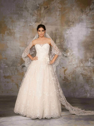 Coco Anais - AN159 Sample Gown