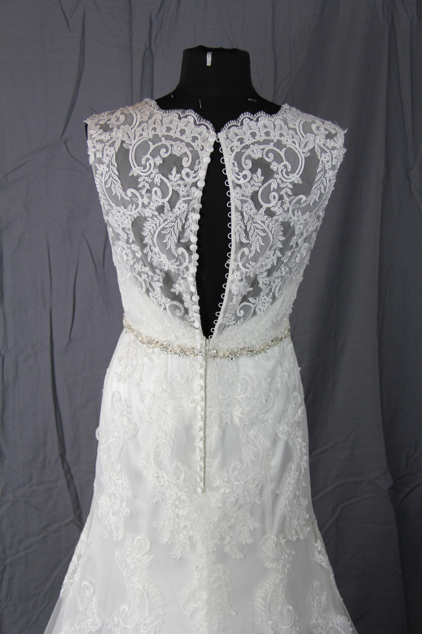 Jacquelin Exclusive - 19972 Ivory Sample Gown - Adinas Bridal