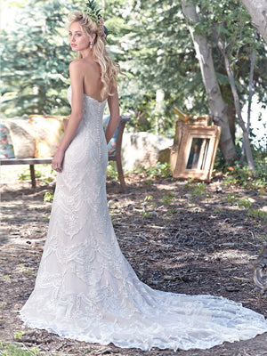 Maggie Sottero - Kirstie Sample Gown Plus Size