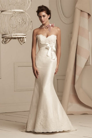 Paloma Blanca - 3854 Sample Gown