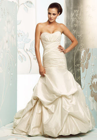 Paloma Blanca - 4156 Sample Gown