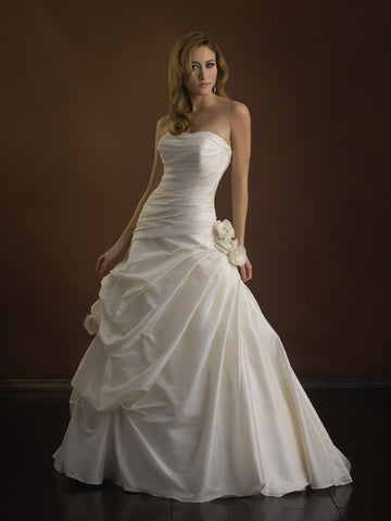 Allure Bridal - P862X Sample Gown