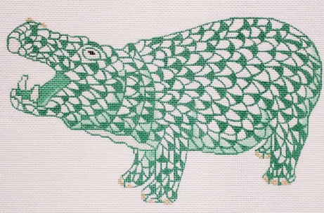 Herend-inspired Fishnet Hippo – emerald green w/ gold