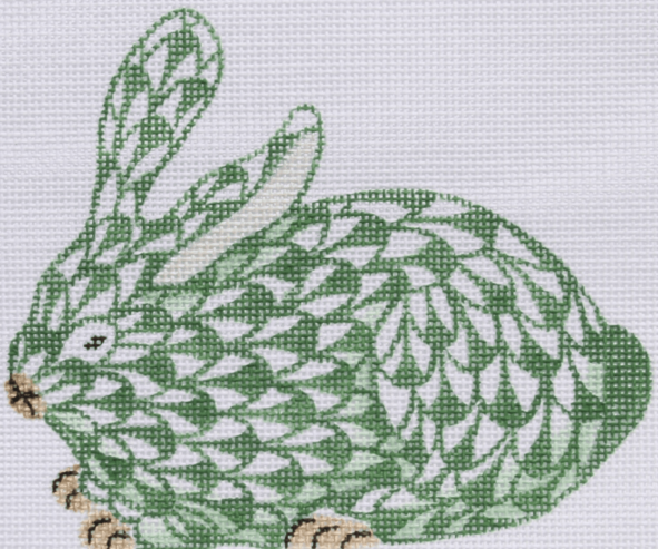 Herend-inspired Fishnet Crouching Bunny – emerald green w/ gold (facing right)