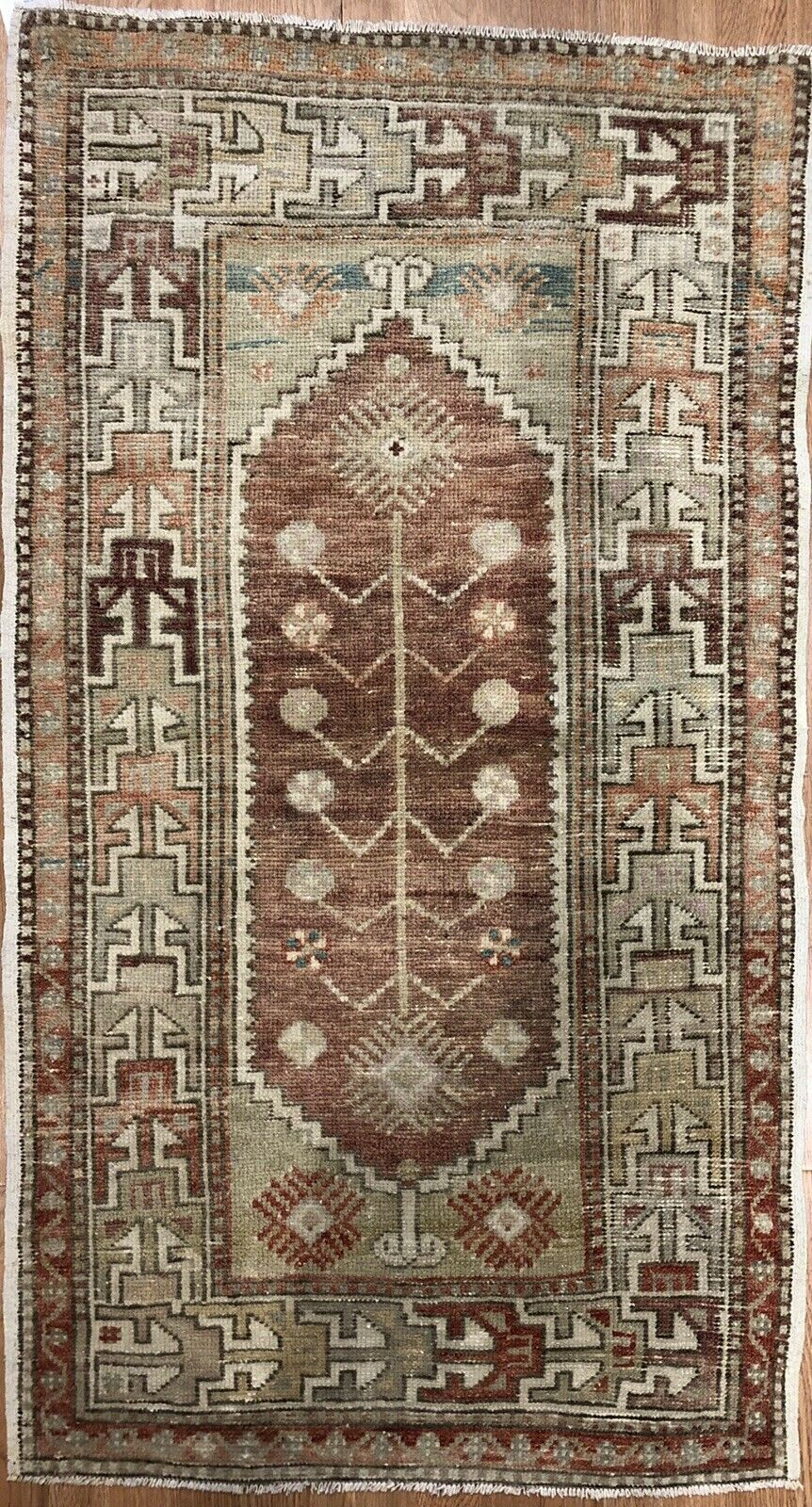 Opulent Oushak - 1960s Vintage Turkish Rug - Tribal Carpet - 2'5