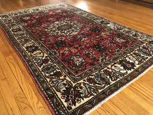 "Exceptional Esfahan - 1930s Antique Persian Rug - Tribal Design - 4'5"" x 6'10"" ft."