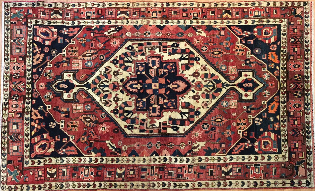 Beautiful Bakhtiari - 1930s Antique Persian Rug - Tribal Carpet - 5'1