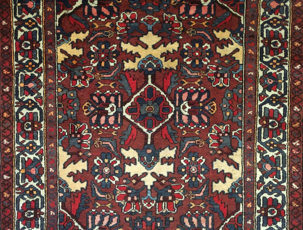 "Beautiful Bakhtiari - 1940s Antique Persian Rug - Tribal Carpet - 5' x 9'6"" ft."