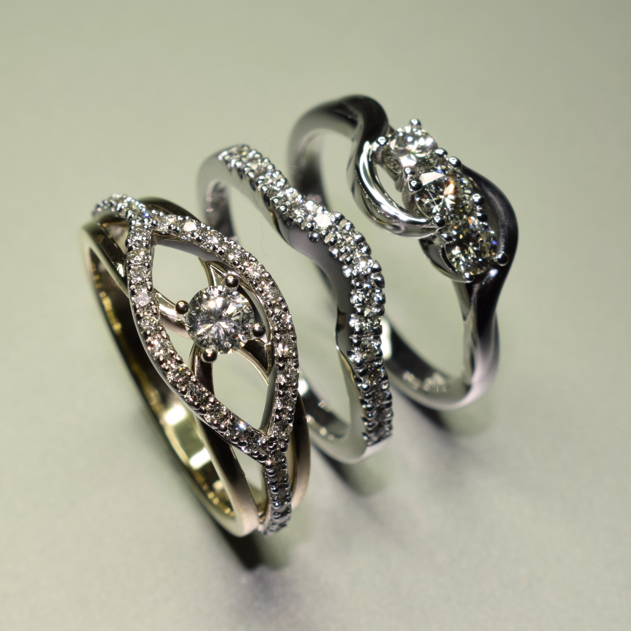 9K white and yellow gold diamond rings