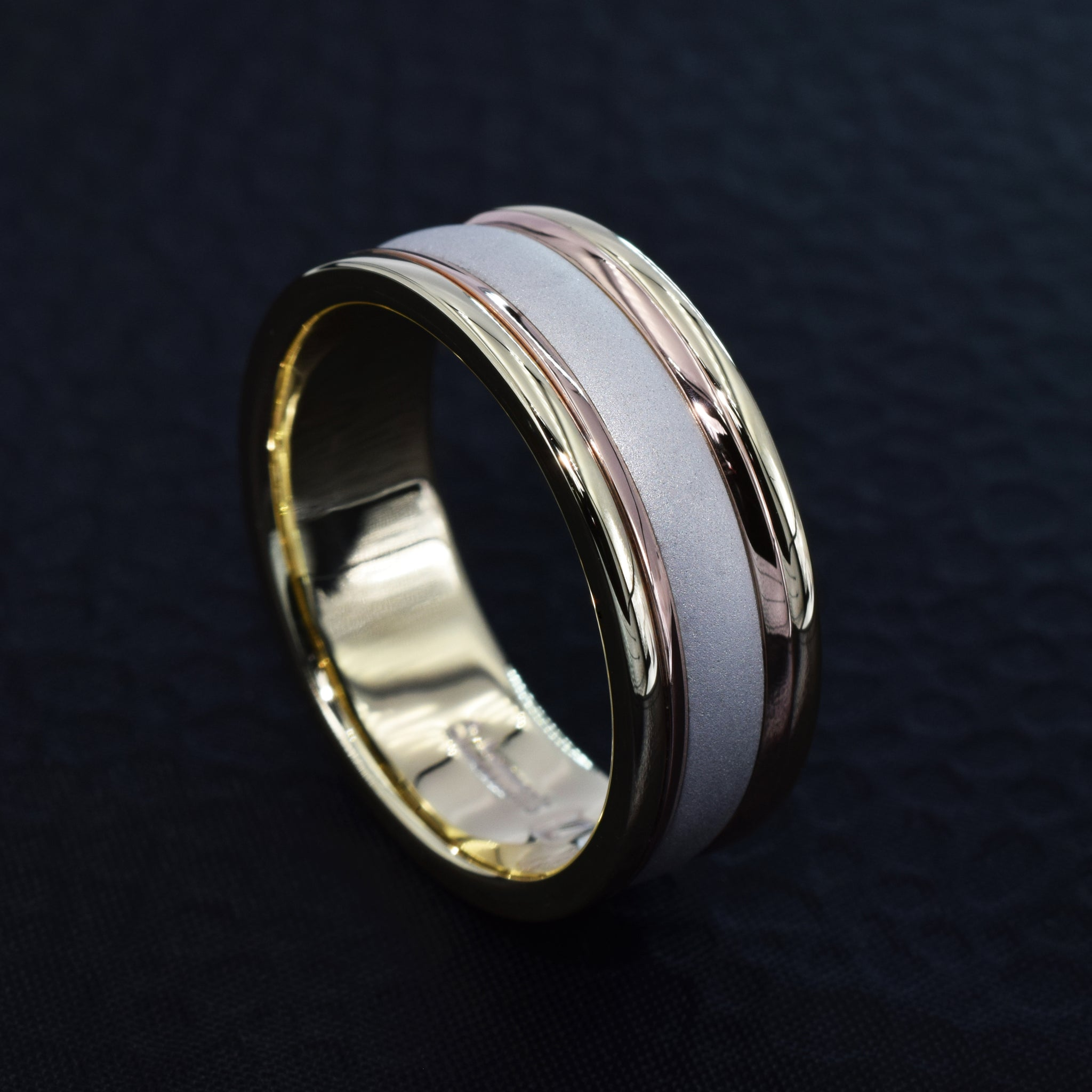 Wide yellow and white gold polished and matt band
