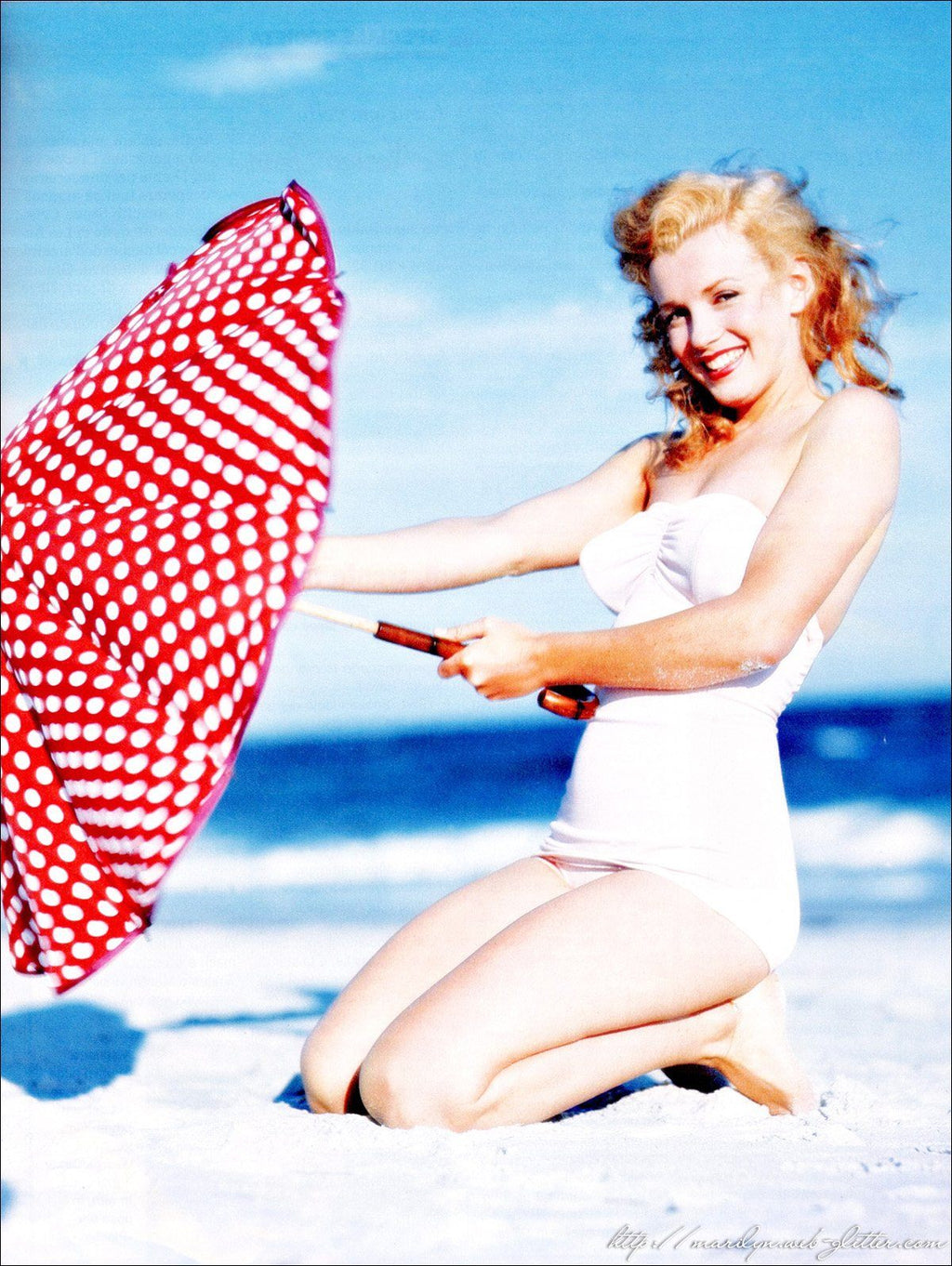 Marilyn at the Beach Diamond Painting Kit - The Diamond Painting Factory