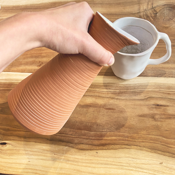 CLAY WATER JUG by Daniel Carpes