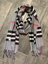 Load image into Gallery viewer, Designer Classic Check Scarf