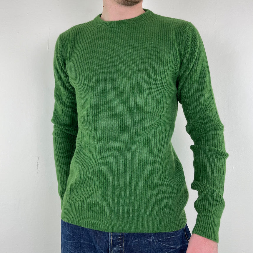 Green knitted sweater // L