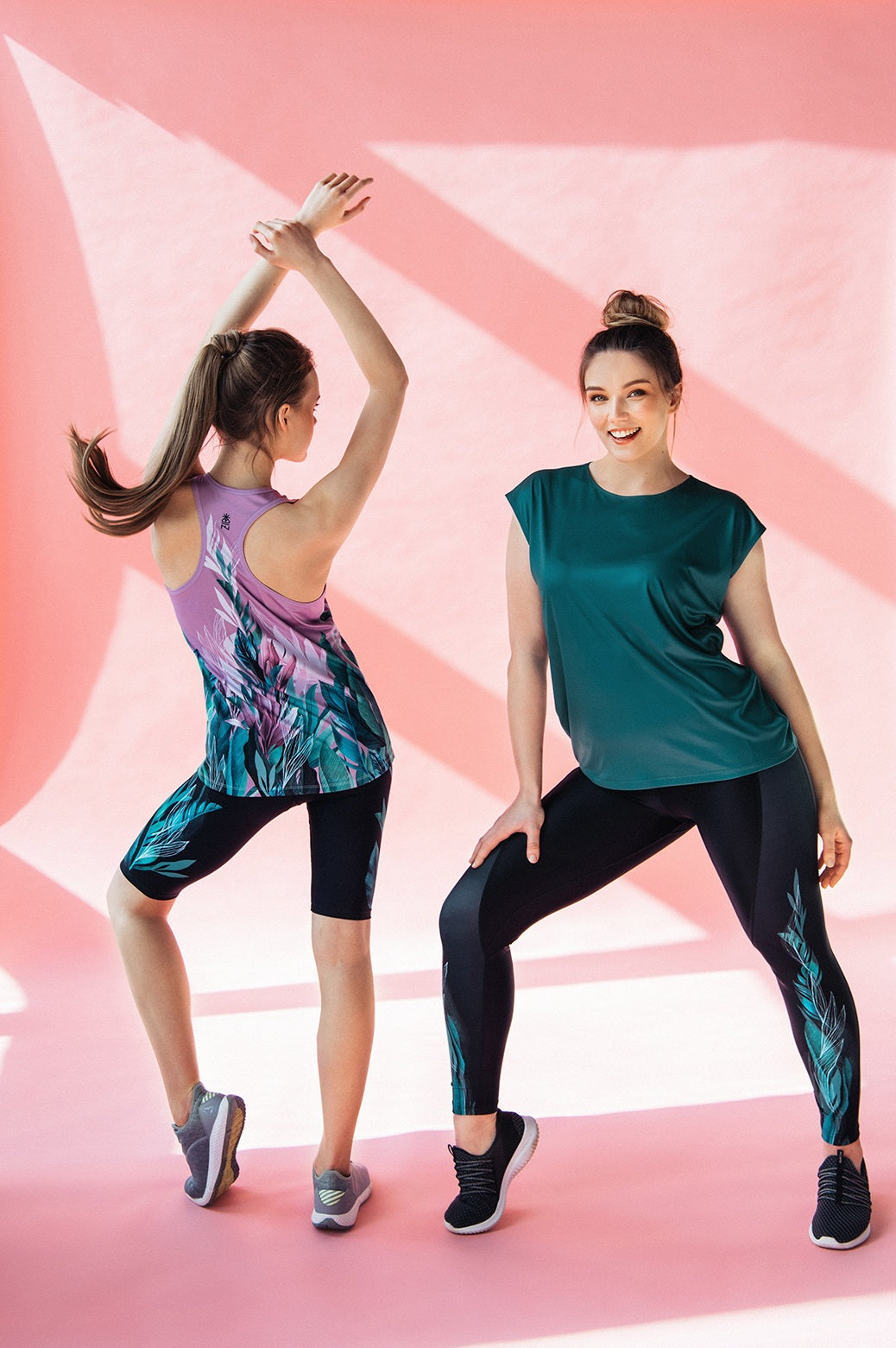 Loose fit Workout top Emerald leaves