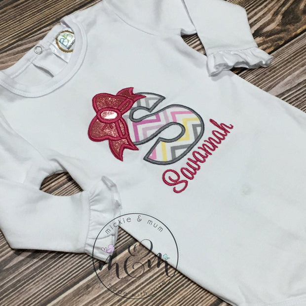 Pretty monogrammed Shirt | Custom Shirt | Cute Personalized Shirt | Coming home outfit | Hospital Outfit | Birth announcement | Gift set - Mickie and Mum Personalized Baby Outfits