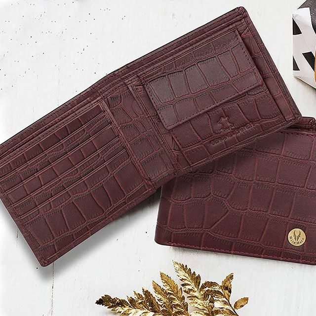 Precisely stitched leather wallet