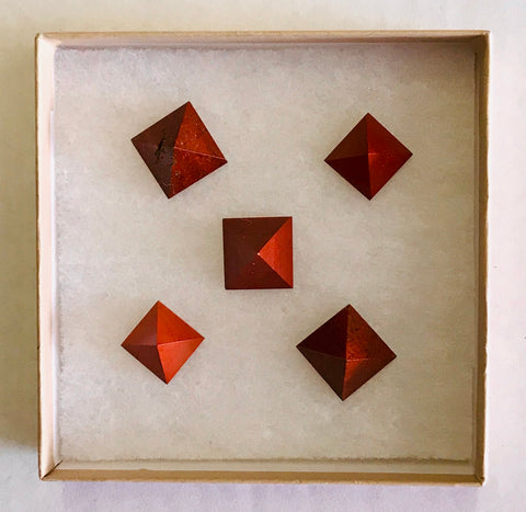 Red Jasper Pyramid (Mini)