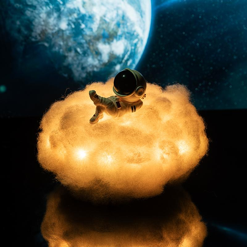 Astronaut Cloud LED Color Lamp Nebula Light