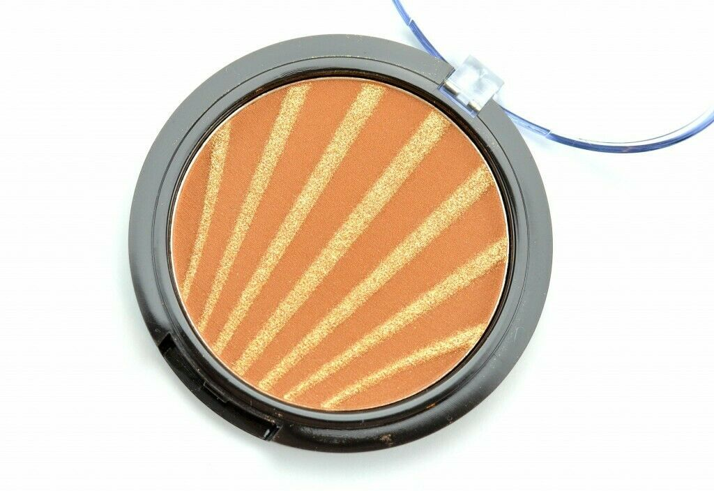 Avon mark Maui Bliss Sunset Glow Face Bronzer - FLJ CORPORATIONS