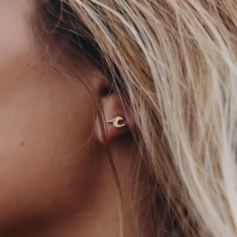 Pura Vida Wave Stud Earrings - Gold