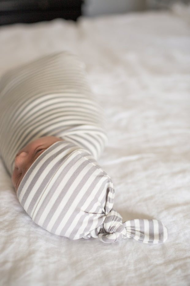 Copper Pearl Newborn Top Knot Hat - Everest