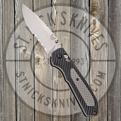 Benchmade - Freek - AXIS Lock - Black/Gray Handle - Combo Edge - 560S - CLOSEOUT