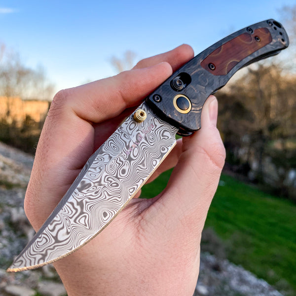 Benchmade - Gold Class - Mini Crooked River - AXIS Lock - Damasteel - Marble CF w/ Alume Inlays -  15085-201