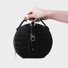 Load image into Gallery viewer, Olivia Round Shoulder Bag in Black - Kastemize