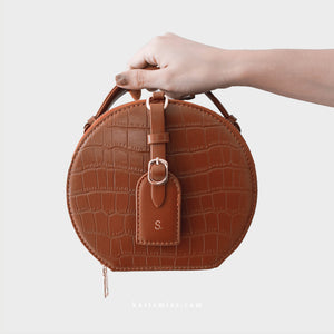 Olivia Round Shoulder Bag in Brown - Kastemize