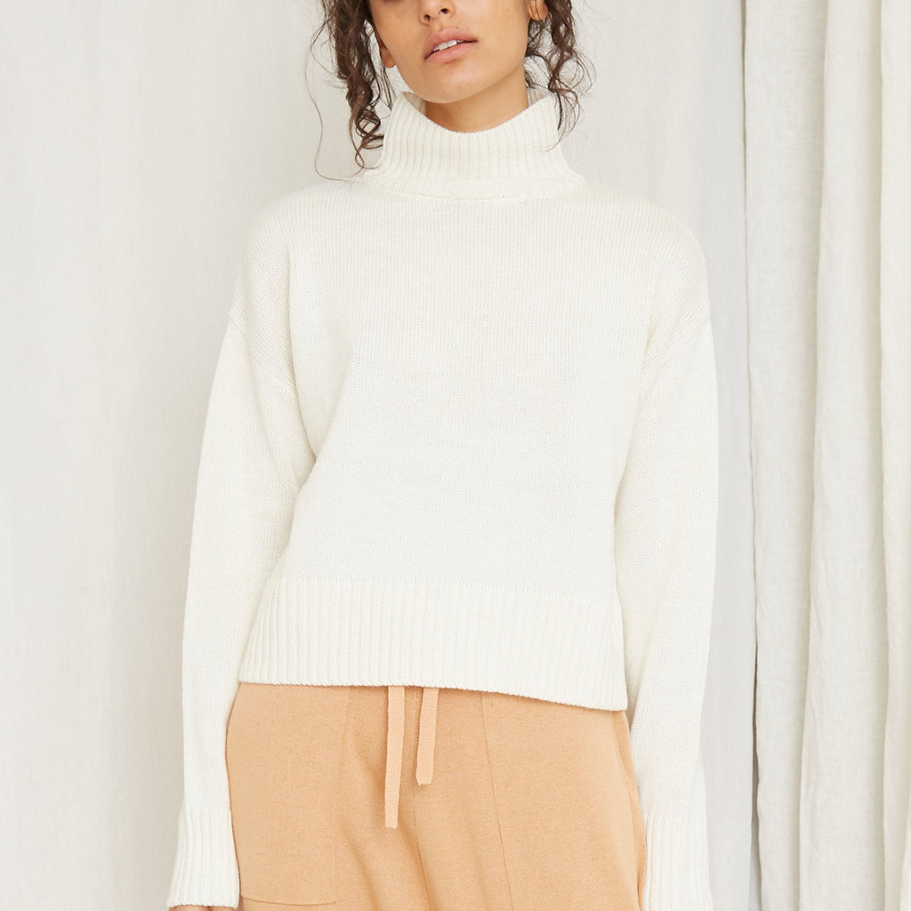 Lift Up Turtle Neck Knit - Off White