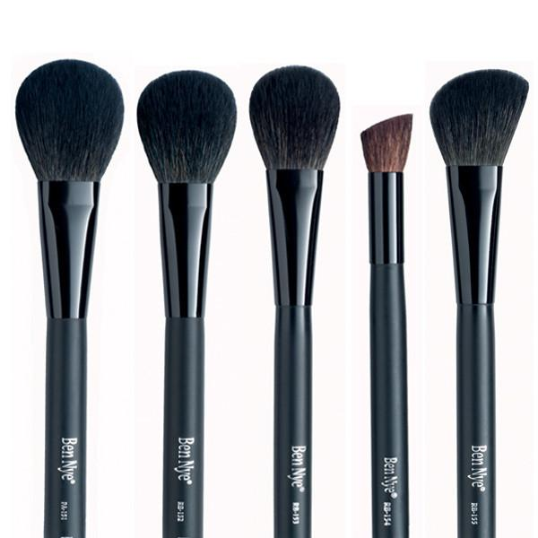 alt Ben Nye Makeup Brush - Rouge (New Design)