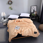 Load image into Gallery viewer, 🔥Free Shipping🔥 -✳Healthy Sleep✳ -Original Silk Ice Soft Cozy Summer Air Conditioning Quilt-Sexy Luxury Silk(Summer Time Limit-50% OFF)