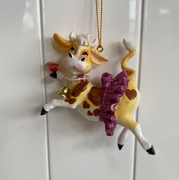 Nautical section ornament cow