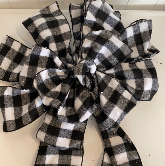 Plaid white and black holiday bow
