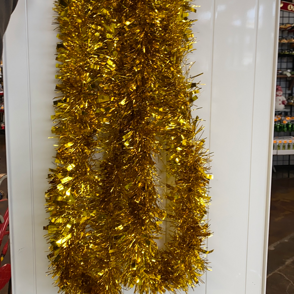 8.85ft Gold tinsel garland