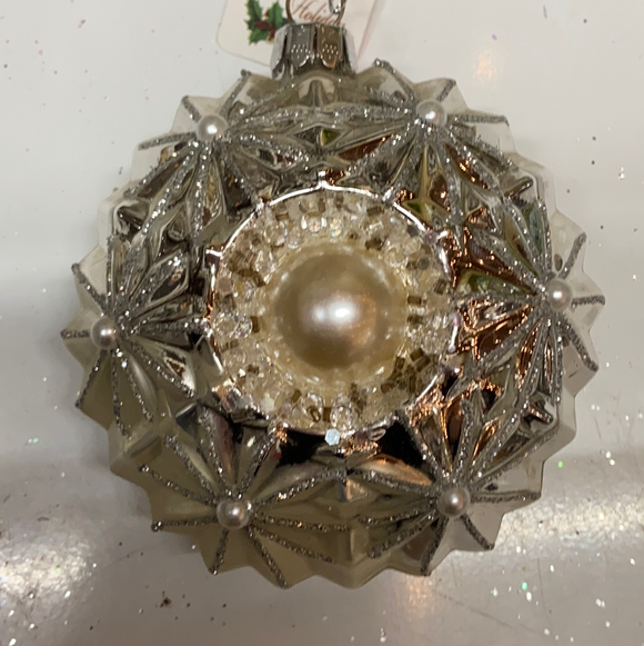 Holiday Snowflake Ornament With Pearl in Center and Around