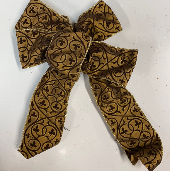 Small Brown velvet holiday bow