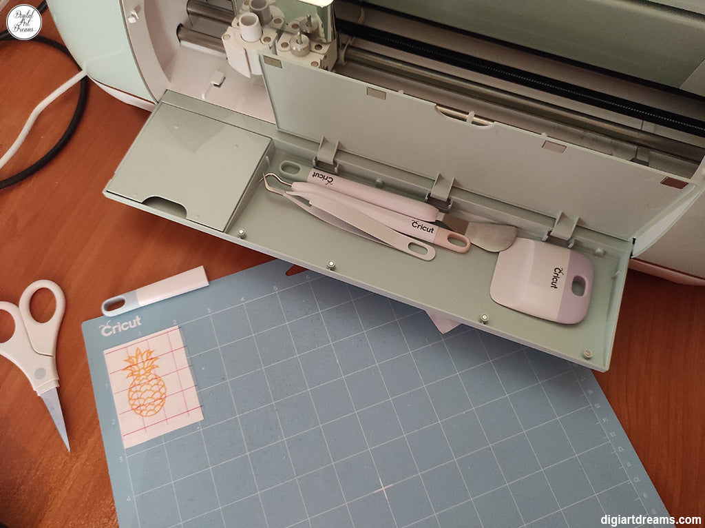 How to use transfer tape with vinyl Cricut