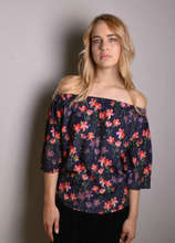 Load image into Gallery viewer, Tibby Off-shoulder blouse