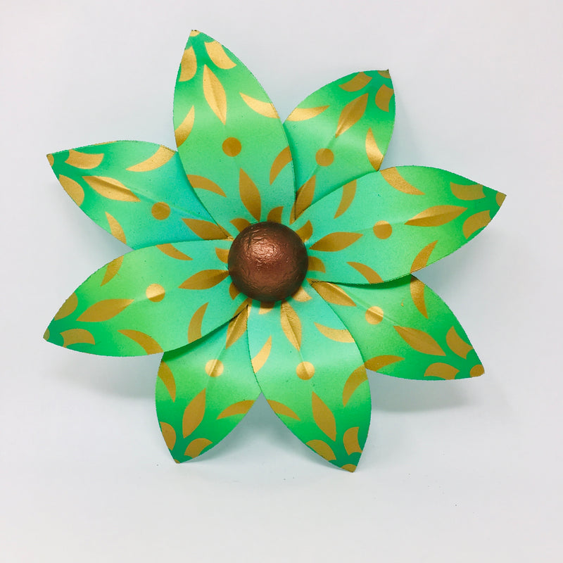 Small Maia House Float Flower