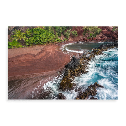 Red Sand Beach - Pueo Gallery