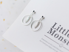 Load image into Gallery viewer, Round Feather Drop Dangle Earrings