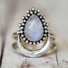 Load image into Gallery viewer, Moonstone Water Drop Ring