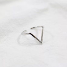 Load image into Gallery viewer, Geometric Pyramid Ring