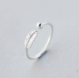 Feather Dot Ring