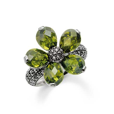 Green Flower Ring Size 7.5 by Thomas Sabo - Available at SHOPKURY.COM. Free Shipping on orders over $200. Trusted jewelers since 1965, from San Juan, Puerto Rico.